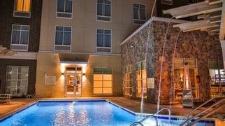 HGI Murfreesboro pool