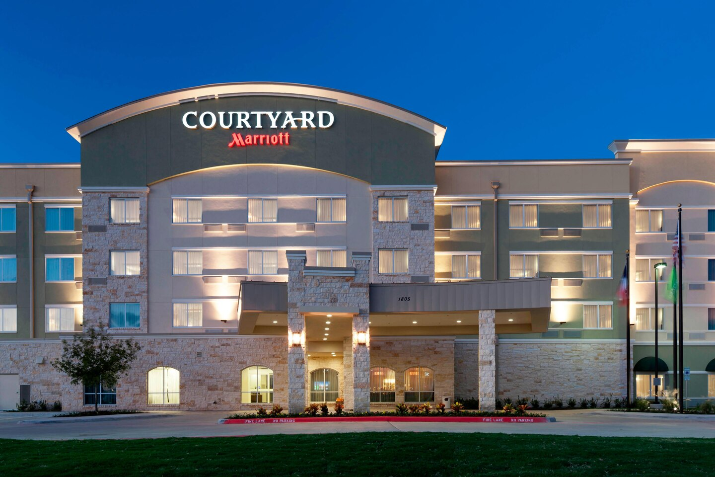 Enjoy the Pure Guest Room Experience at the Courtyard Dallas Plano