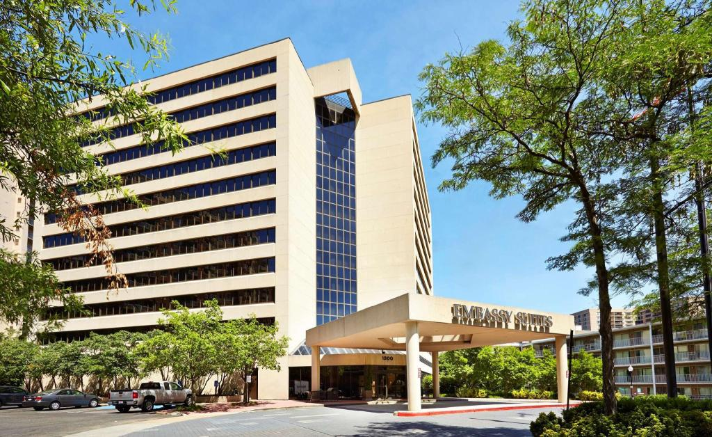 Wellness-Minded Travelers Find Pure Rooms at the Embassy Suites Crystal City